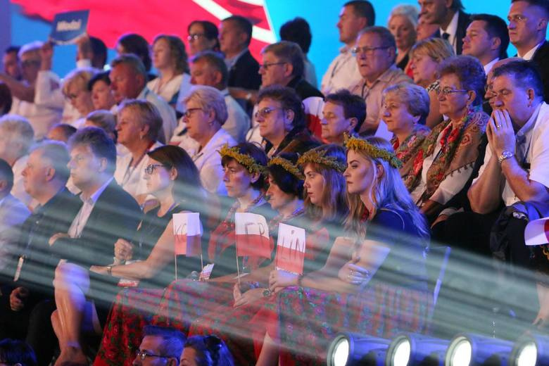 Elektorat doznaje oświecenia podczas konwencji