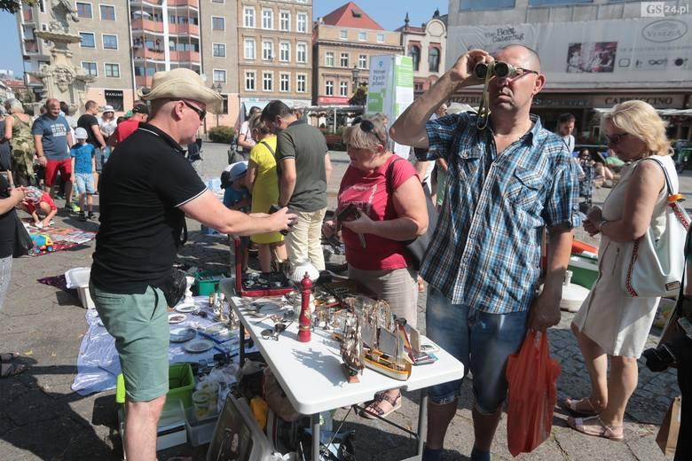 Pchli targ na placu Orła Białego w Szczecinie