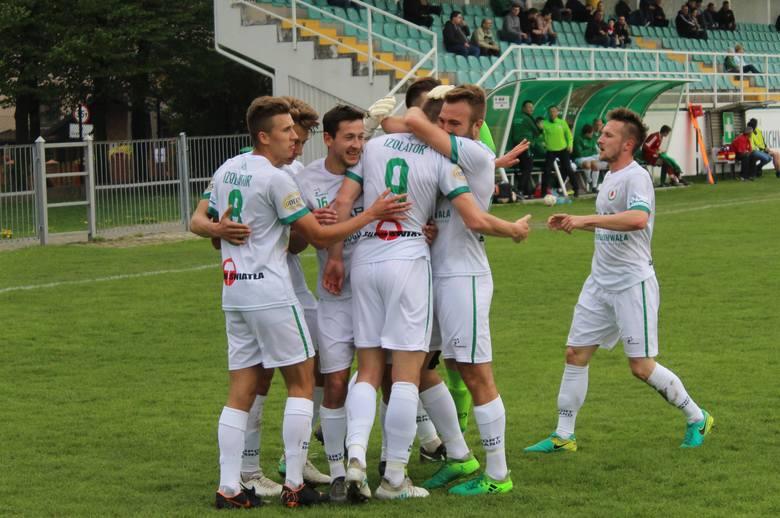 Najwyższe zwycięstwo zanotowali piłkarze Izolatora Boguchwała, którzy pokonali Stal Gorzyce 5:0