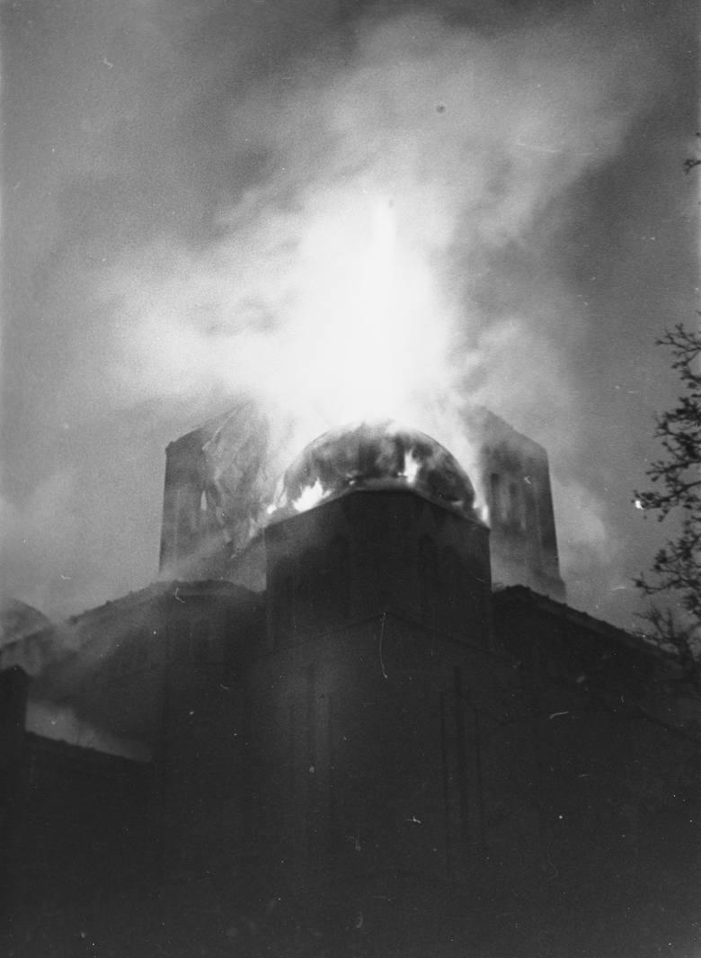 Pożar synagogi w Opolu.