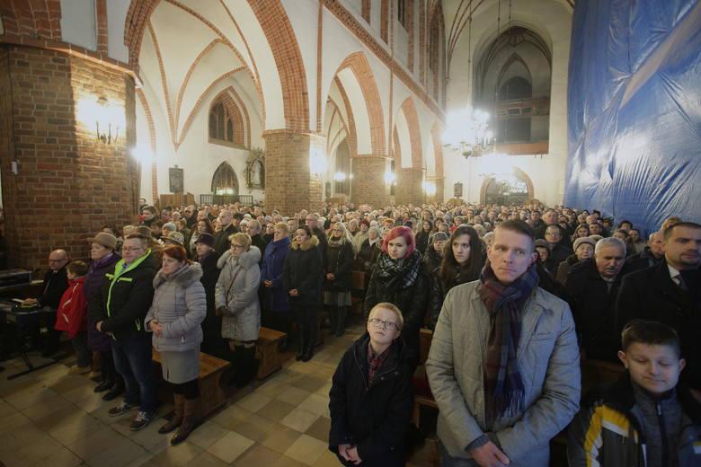 Do Słupska, aby odprawić tu pasterki, przyjechał biskup Krzysztof Zadarko. W wigilijną noc o godz. 22 odprawił jedna z nich w kościele Mariackim.