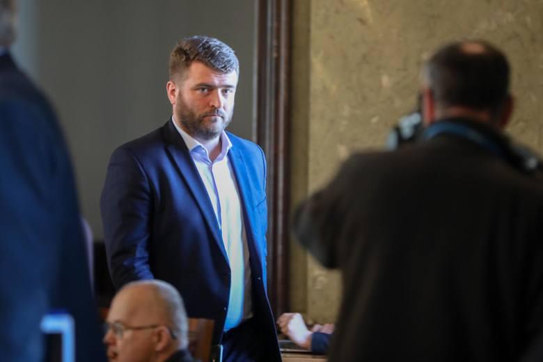"""Kraków. """"Żonie się nie odmawia"""", czyli po co dyrektor Franek pojechał nad morze"""