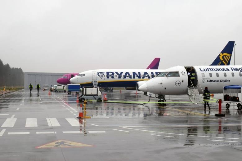 Samoloty Wizz Air ze Szwecji przekierowane do Bydgoszczy