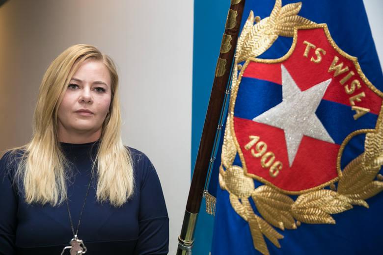 Prezes Wisły Kraków Marzena Sarapata szuka inwestorów, którzy uratowaliby klub przed bankructwem i liczy na pomoc ze strony miasta.