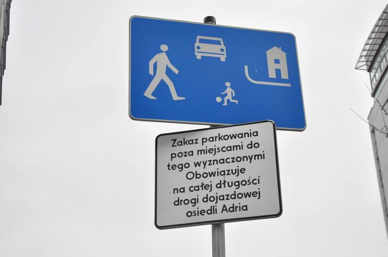 Drogi wewnętrzne, strefy ruchu i zamieszkania – vademecum kierowcy