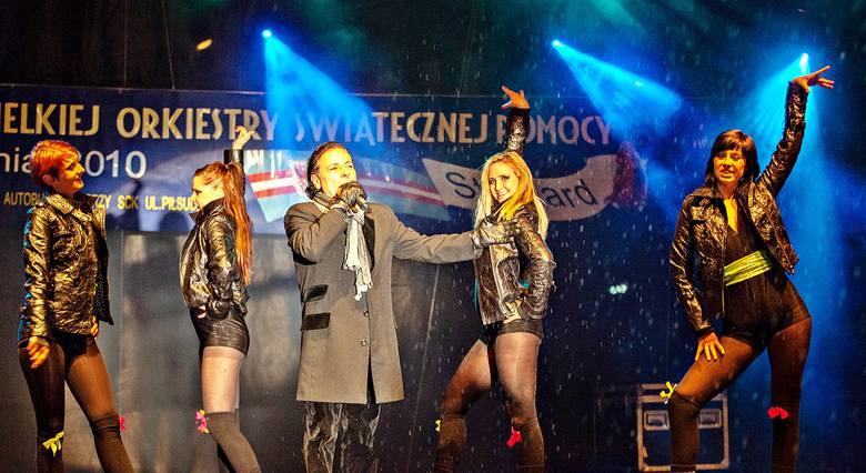 WOŚP w Stargardzie 2010 i 2011. Orkiestrowe granie na archiwalnych ZDJĘCIACH ze sceny i ulic