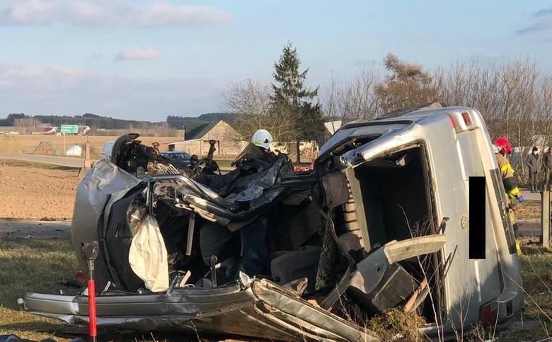 Dulkowszczyzna: Wypadek śmiertelny. Zderzenie volkswagena z mercedesem.