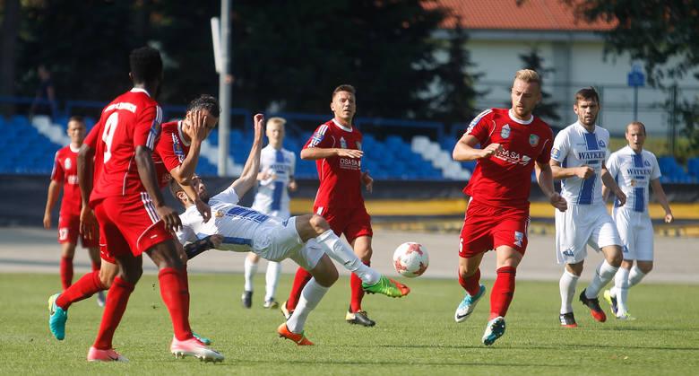 Stal Rzeszów przegrała z Miedzią Legnica 1:3 w 1 rundzie Pucharu Polski w piłce nożnej.Zobacz także: Stal Rzeszów odpadła z Pucharu Polski. Miedź Legnica
