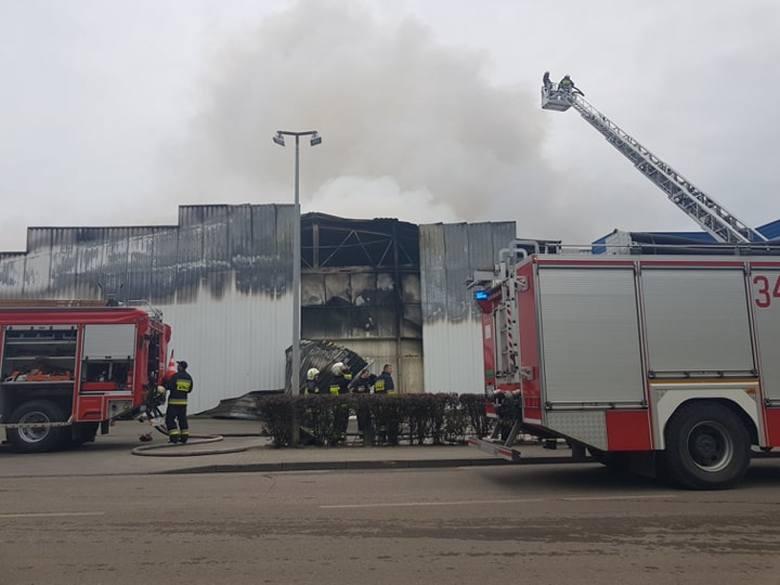 Pożar zakładu Iglotex w Skórczu 27.05.2019. Gigantyczny ogień strawił niemal cały zakład pracy. Czy produkcja zostanie wznowiona?