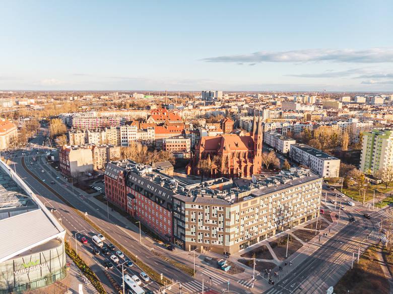 Budynek jak z gry tetris w centrum Wrocławia. Powstały tam małe apartamenty (ZOBACZ)