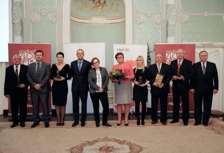 Nagrodzeni (od lewej): Józef Wysocki, członek rady nadzorczej SM Mlekpol (Największy Przychód), Marcin Kondraciuk,prokurent spółki Telmex (Największy