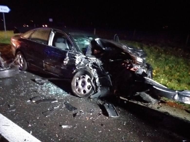 Krótko po godzinie 20 na drodze krajowej nr 6 pod Biesiekierzem doszło do zdarzenia drogowego z udziałem trzech pojazdów: dwóch samochodów osobowych