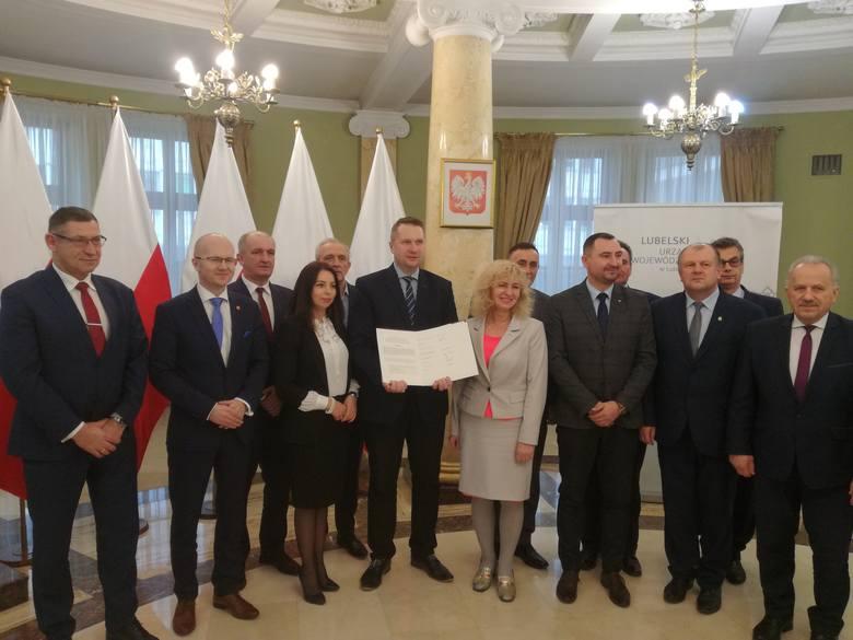 Pod listem o utworzeniu WCOR podpisali się: wojewoda Przemysław Czarnek, członek zarządu województwa lubelskiego Sebastian Trojak, członek zarządu powiatu
