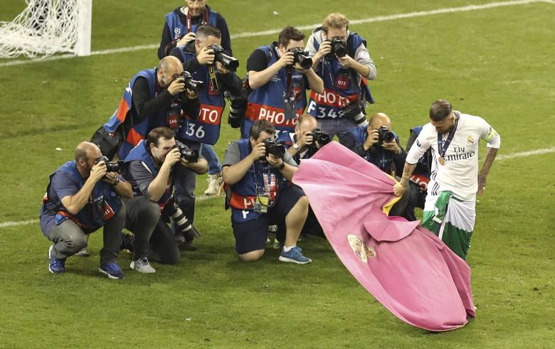 Ronaldo naprężył muskuły, płacz Buffona [ZDJĘCIA z finału Ligi Mistrzów]