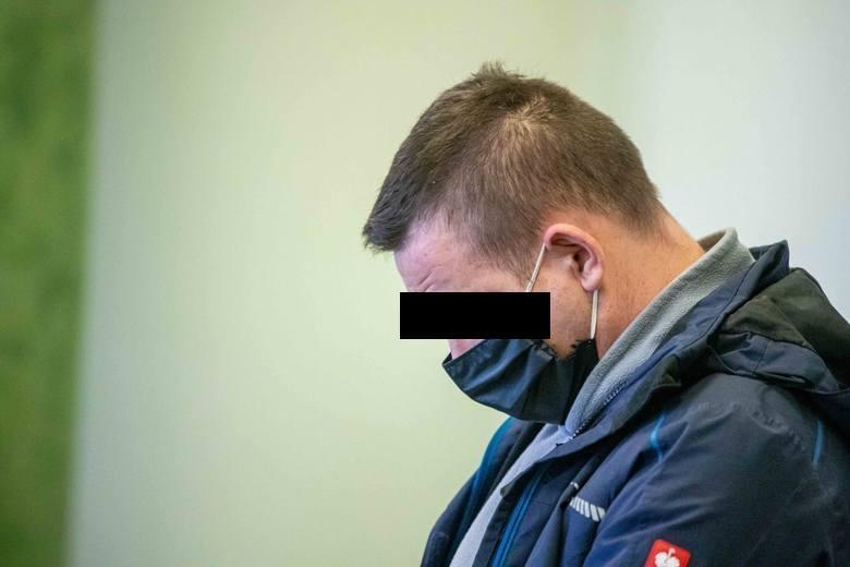 Na proces Wiesław K. został doprowadzony z aresztu. Przebywał tam od momentu zatrzymania w listopadzie ub. roku.