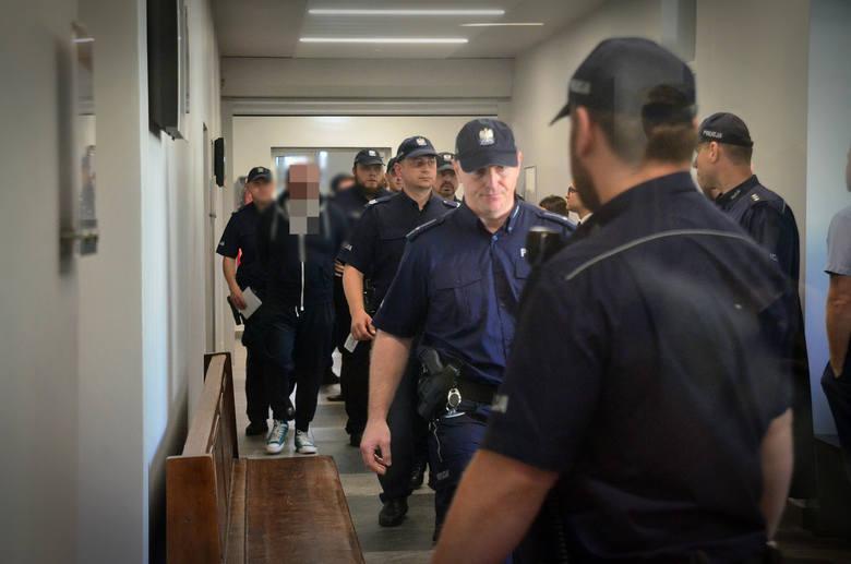 """Arkadiusz Ł. """"Hoss"""" jest skazany nieprawomocnie na 7 lat więzienia za oszustwa seniorów"""