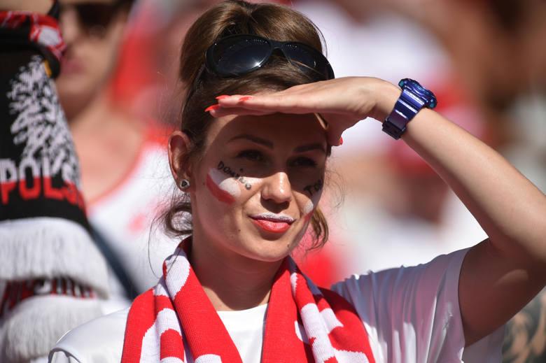Milik odbiera gratulacje, kibice w euforii. Polska - Irlandia Północna na zdjęciach cz. 2 [GALERIA]