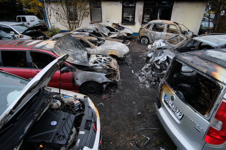Tylko w 2018 roku strażnicy miejscy w Poznaniu odholowali 866 pojazdów, a także usunęli z miasta 1159 wraków! - To znacznie więcej niż w 2017 - mówi