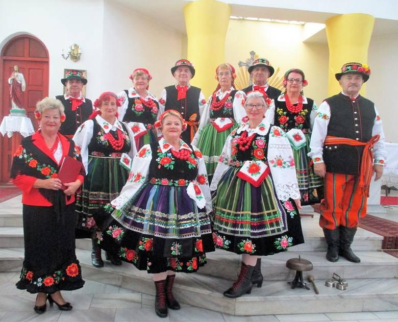 Zespół Ustronie wystąpił w Ostrowach koło Krośniewic [ZDJĘCIA]