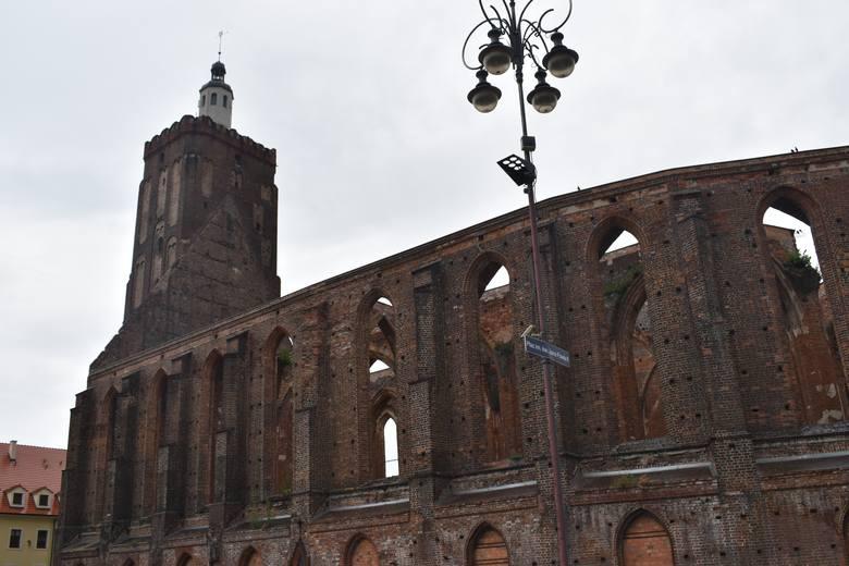 Wieża fary oraz Baszta Ostrowska w Gubinie są nieczynne dla zwiedzających od dłuższego czasu. Czy miasto coś z tym zrobi?