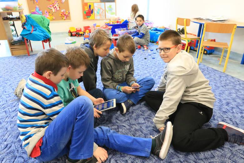 TORUŃ. We wszystkich placówkach w mieście zapewniono dzieciom opiekę. Mogły wziąć udział w różnych zajęciach.
