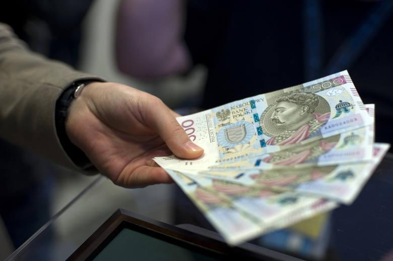 W wywiadzie dla Business Insider Polska Wojciechowski stwierdził, że podwyższenie świadczenia 500 plus umożliwią progi dochodowe. Przyniosą one bowiem