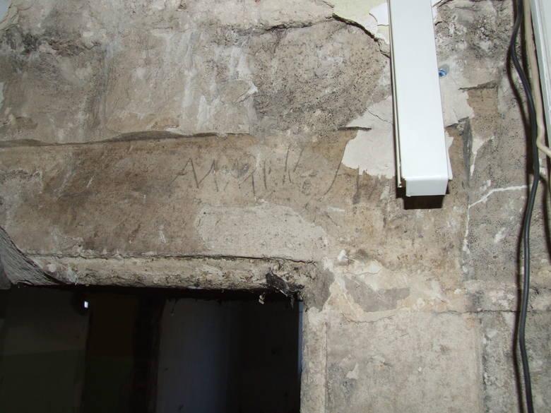 Kamienny portal.