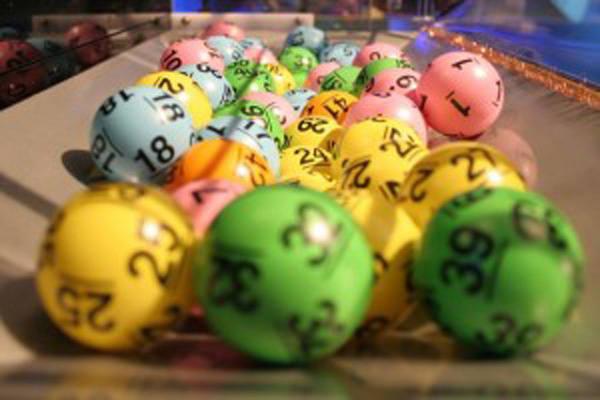 Wyniki Lotto: Poniedziałek, 1.05.2017 [MULTI MULTI, KASKADA, MINI, SUPER SZANSA, EKSTRA PENSJA]