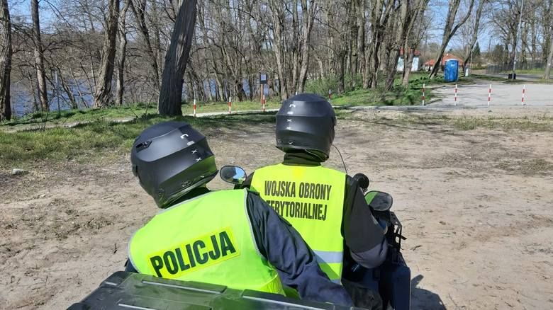 Na terenie Gorzowa Wlkp. zobaczyć można niecodzienny widok. Od 10 kwietnia patrole policji i WOT odbywają się z wykorzystaniem quadów. - Takie pojazdy