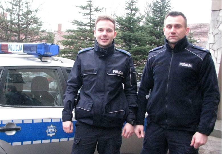 To oni uratowali desperata, na zdjęciu od lewej: sierż. Maciej Łuszczyński i sierż. Rafał Wypasek.