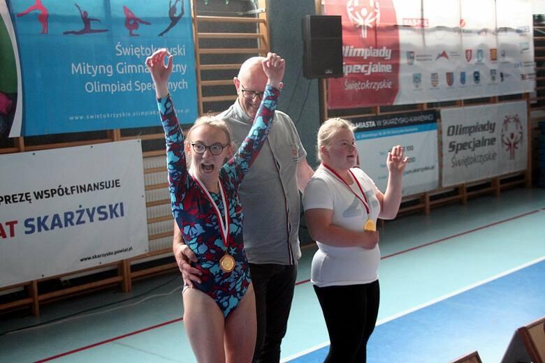 Świętokrzyski Mityng Gimnastyczny Olimpiad Specjalnych odbył się w Skarżysku-Kamiennej. Sportowcy świętokrzyskich klubów rywalizowali na hali I LO.Po