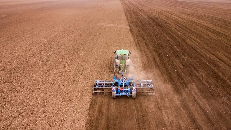 Dochód z hektara przeliczeniowego. Za wysoki - mówią rolnicy. Jak oblicza go GUS?