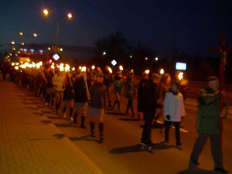 Marsz Modlitewny na Krywlany w 10. rocznicę śmierci Jana Pawła II (zdjęcia, wideo)