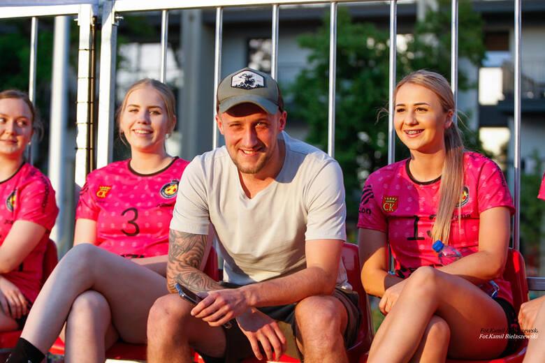 Na boisku przy Wojewódzkim Domu Kultury odbył się ciekawy turniej VIP z udziałem znanych zawodników. Rywalizacja przebiegała w ramach trzeciej edycji