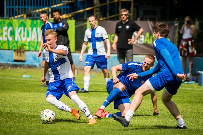 W meczu sparingowym Zawisza Bydgoszcz przegrał na wyjeździe z Unią Solec Kujawski 2:3 (1:2). Bramki dla Zawiszy zdobyli Adrian Brzeziński i Medard Dahms.