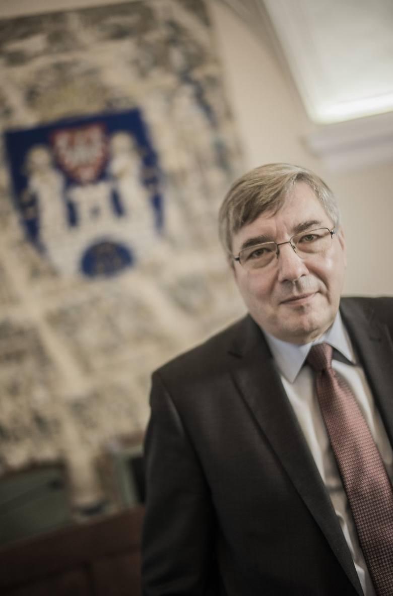 -  Ciągle iskrzy na linii samorząd - rząd - mówi Grzegorz Ganowicz, przewodniczący Rady Miasta, radny Koalicji Obywatelskiej