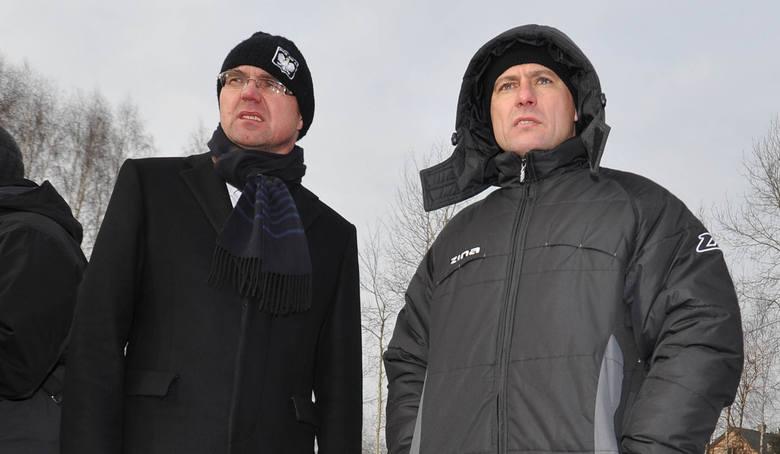 Prezes Andrzej Voigt (z lewej) i menedżer Piotr Świerczewski