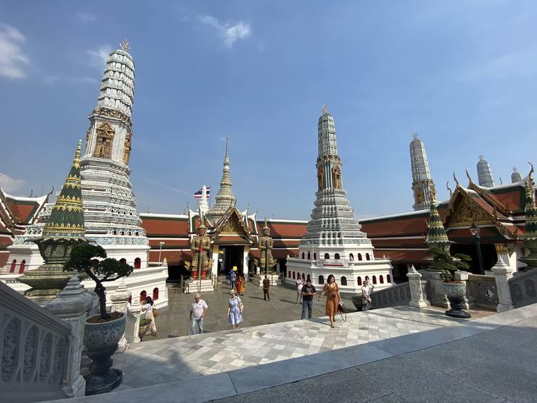 Bangkok- azjatycka stolica warta zobaczenia. Miasto nazywane turystyczną stolicą świata