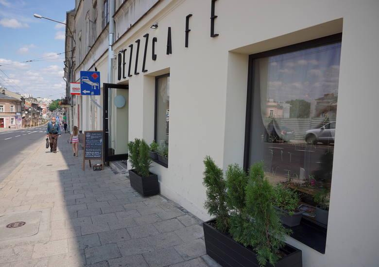 Z pasji do gotowania i zdrowia powstało Bezzz Cafe. Jej właścicielką jest Kamila Kosior znana z prowadzenia bloga o zdrowym odżywianiu. - Rośnie zapotrzebowanie