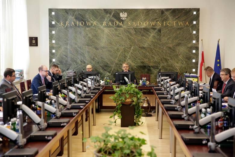 Członek Krajowej Rady Sądownictwa sędzia Jarosław Dudzicz poinformował w oświadczeniu, że zawiesza swoją działalność jako wicerzecznik KRS. fot marek