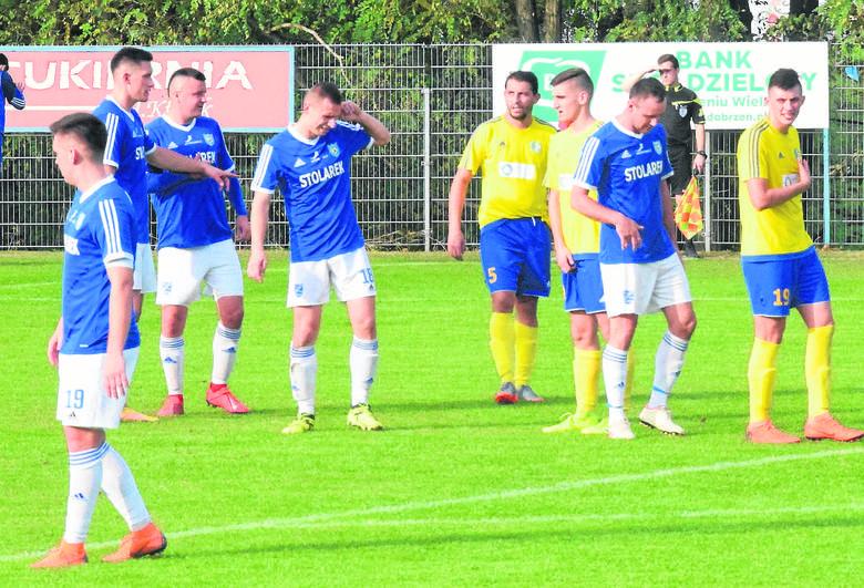 11. kolejka 4. ligi stała pod znakiem hitu w Nysie, gdzie prowadząca w stawce Polonia ograła Agroplon Głuszyna.