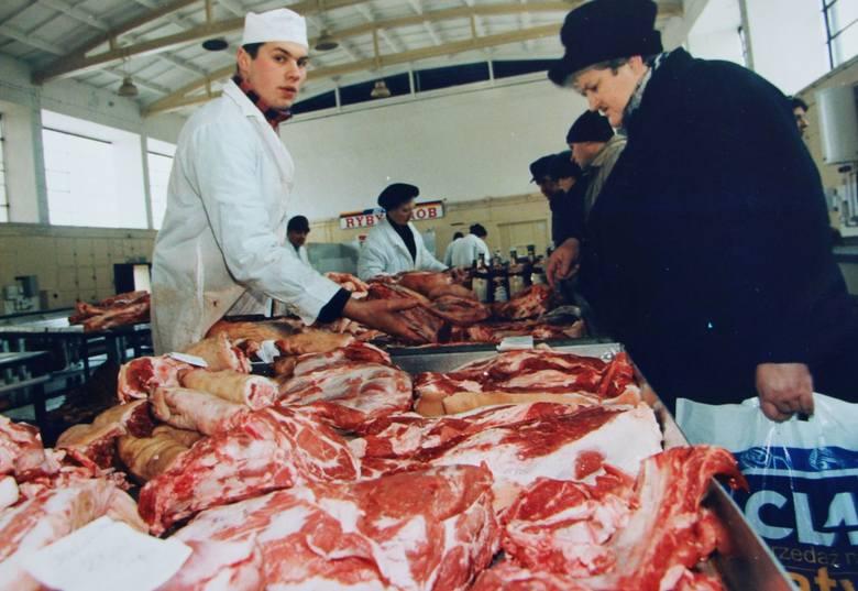 Kiedyś bazary warzywne miały specyficzny klimat. A kto pamięta hale mięsne? Zapraszamy na podróż w czasie!