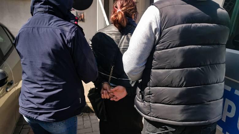 Białystok. Fałszywi pracownicy wodociągów okradli 97-latkę. Są już w rękach policji (zdjęcia)