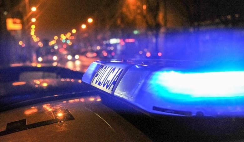 - Policjanci ścigali ten samochód, ponieważ jego kierowca nie zatrzymał się do kontroli drogowej na Szosie Lubickiej w Toruniu – mówi Wioletta Dąbrowska