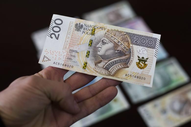 Prezes Głównego Urzędu Statystycznego wydał niedawno komunikat w sprawie przeciętnego wynagrodzenia w sektorze przedsiębiorstw w marcu 2020 r. Ile tym