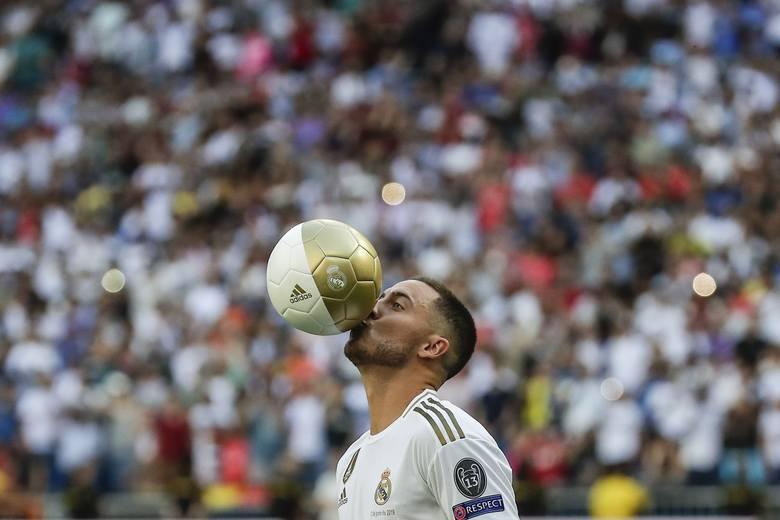 W czwartek, 13 czerwca, Eden Hazard został zaprezentowany jako nowy piłkarz Realu Madryt. Na Santiago Bernabeu powitało go około 50 tys. kibiców. - Bycie