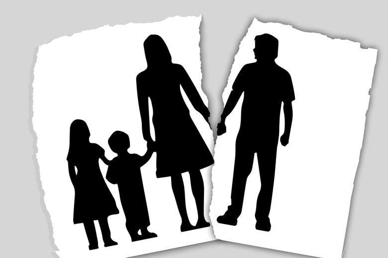 Z drugiej strony część rozwodów została przez pandemię sprowokowana. - Przymusowa izolacja małżonków i praca zdalna uwypukliła różnice pomiędzy małżonkami,