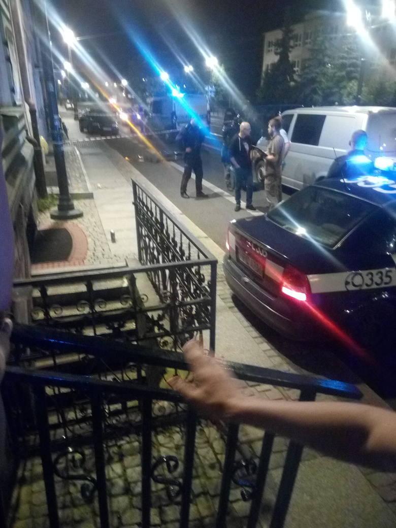 Z naszych informacji wynika, że w nocy z czwartku na piątek w Toruniu doszło do zabójstwa przy ul. Warszawskiej. Jak twierdzi nasz informator - podczas