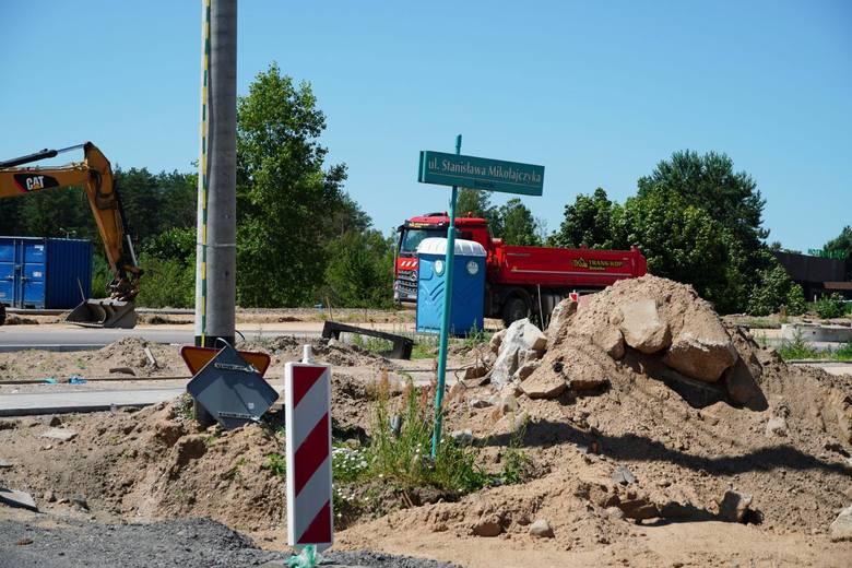 Przebudowywane skrzyżowanie al. JPII z ul. NSZ to początek trasy niepodległości.