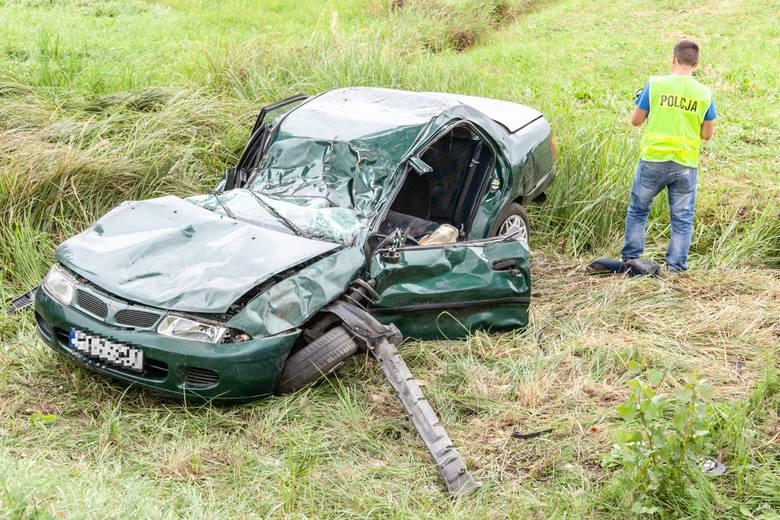 Dwie osoby ranne w wypadku na dk nr 45 koło Złoczewa [ZDJĘCIA]